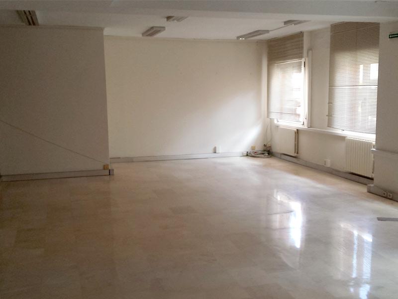 Alquiler Oficina c/ Ermitagaña 11, entreplanta foto 4
